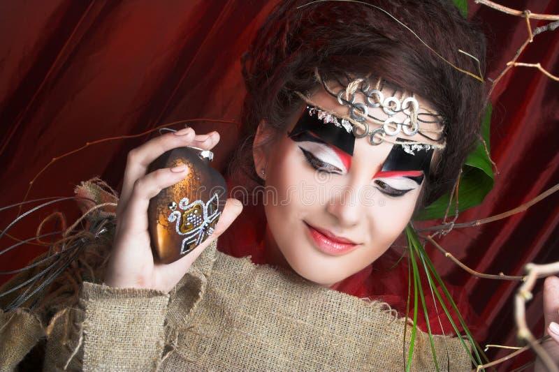 Download Творческая дама стоковое фото. изображение насчитывающей способ - 40581714