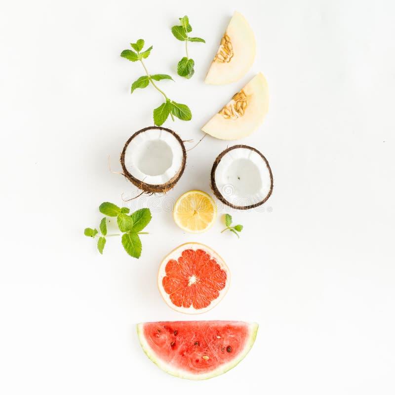 Творческий план сделал кокос, грейпфрут, арбуз, весь, lem стоковые изображения rf