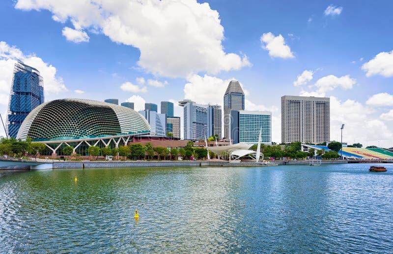 Театры эспланады на заливе в центре Сингапура стоковые фотографии rf