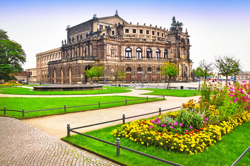 Театр в Дрезден стоковые изображения rf
