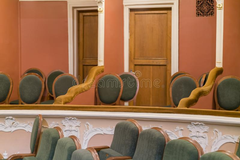 Театр кресла Классические места театра глубоко Кровать театра стоковое фото rf