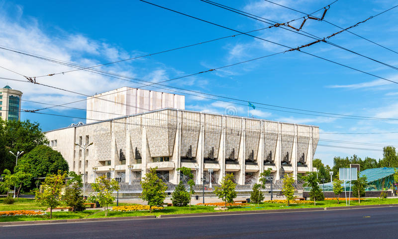 Театр драмы положения казаха академичный названный после m O Auezov Алма-Ата, Казахстан стоковые фото
