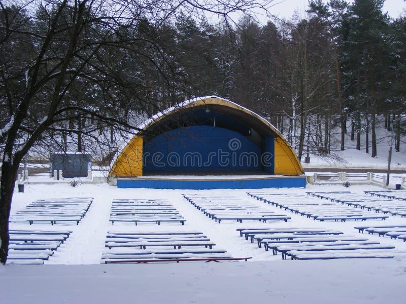 Театр соломенной шляпы снега зимы стоковые изображения