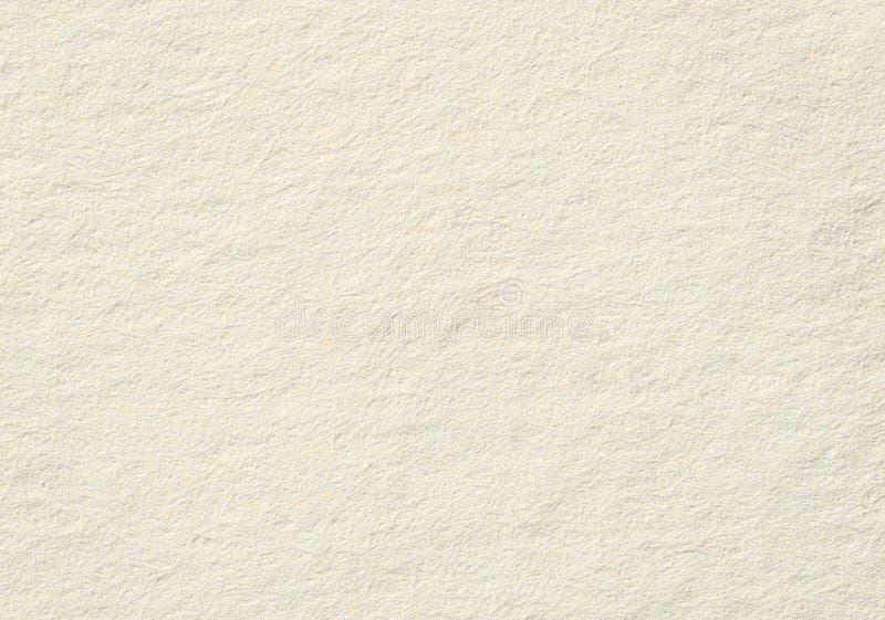 Текстура бумаги примечания Брайна горизонтальная грубая, светлая предпосылка для текста стоковое фото rf