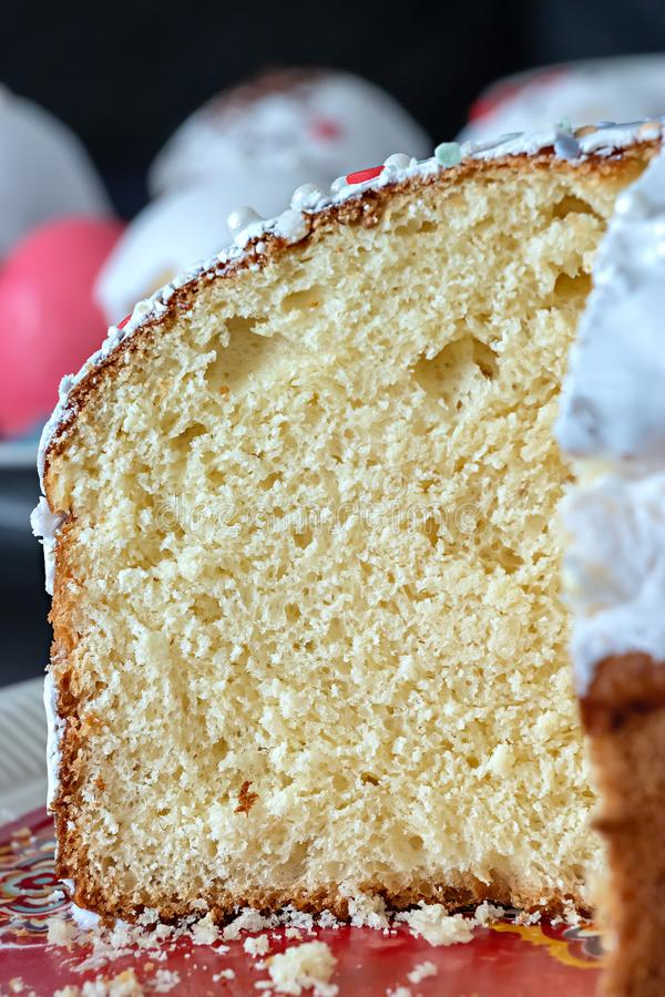 Текстура макроса хлеба дрожжей, плюшки, кулича или торта пасхи r r стоковое фото