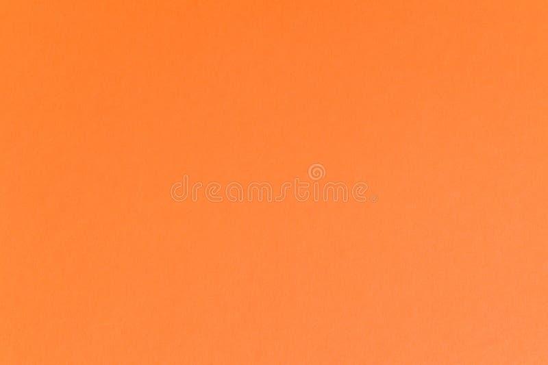 Текстура оранжевого листа бумаги картона Праздничная яркая винтажная предпосылка стоковые фотографии rf