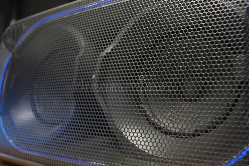 Текстура решетки громкоговорителя в темных цветах стоковые изображения rf