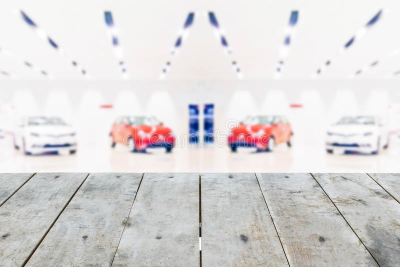Текстура столешницы пустой перспективы grungy деревянная на запачканном автомобиле s стоковые фотографии rf