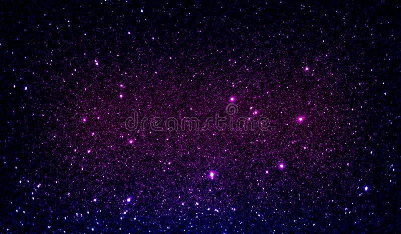 Текстурированные ярким блеском пурпурные и черные затеняемые обои предпосылки стоковое фото rf