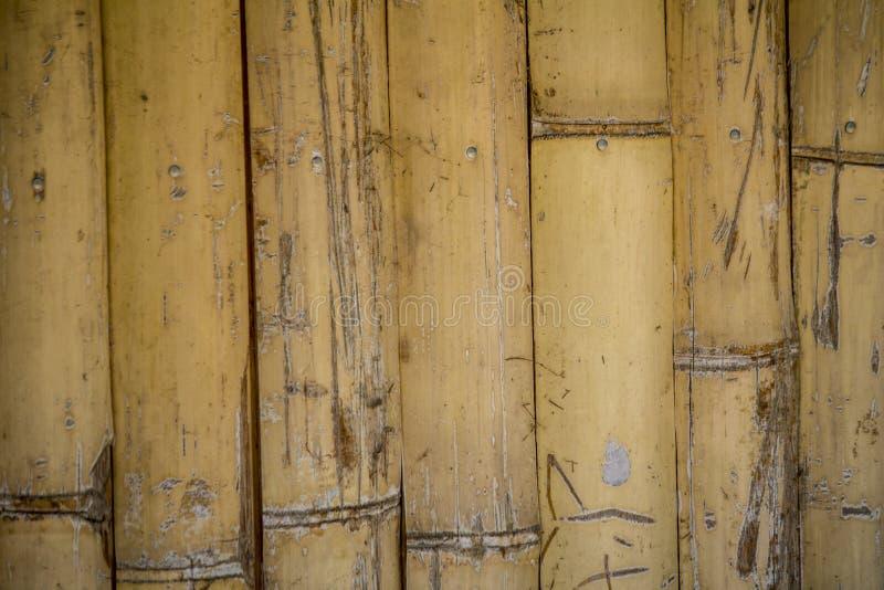 """Текстурируйте """"бамбуковую стену """" дом бамбука стоковые изображения"""