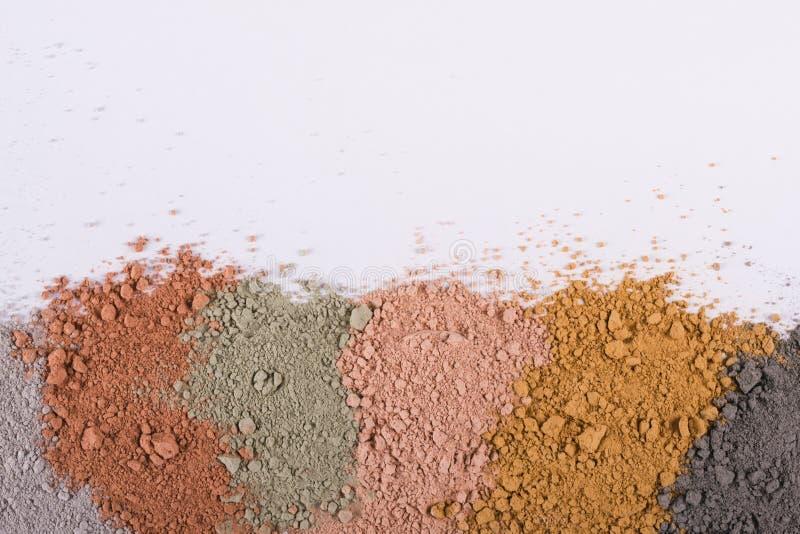 Текстурный градиент от различных косметических порошков глины стоковые изображения rf
