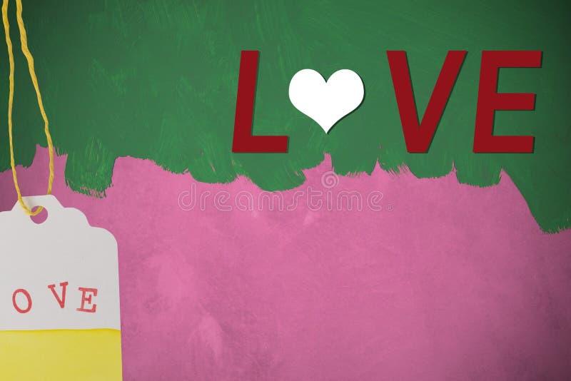 Текст влюбленности на зеленом цвете покрасил щетку на розовой стене цемента стоковое изображение rf
