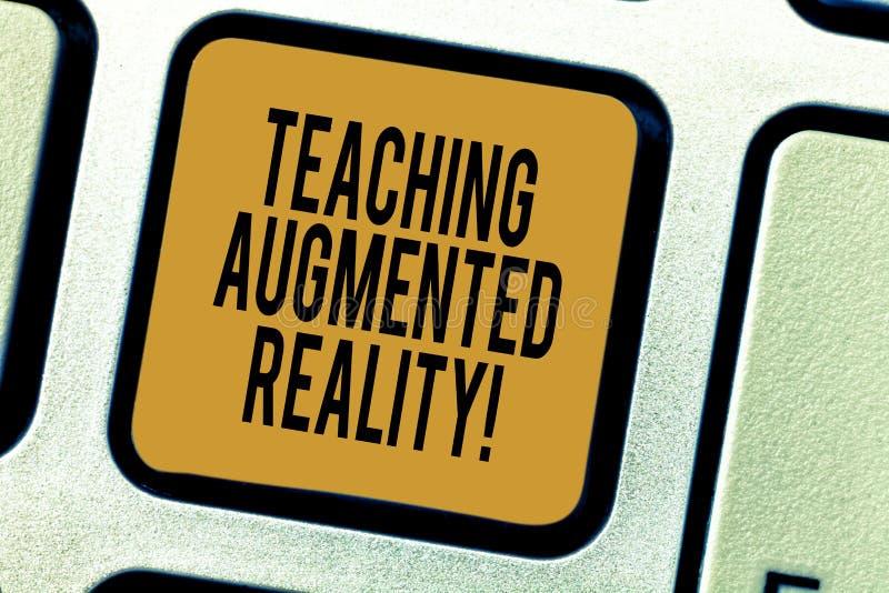 Текст почерка писать уча увеличенную реальность Концепция знача пользу приложений AR сразу в классе стоковые изображения rf