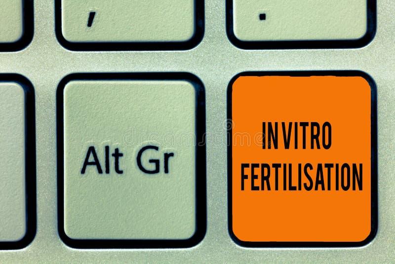 Текст почерка писать in vitro землеудобрение Концепция знача яичко удобрена спермой в пробирке стоковое фото rf