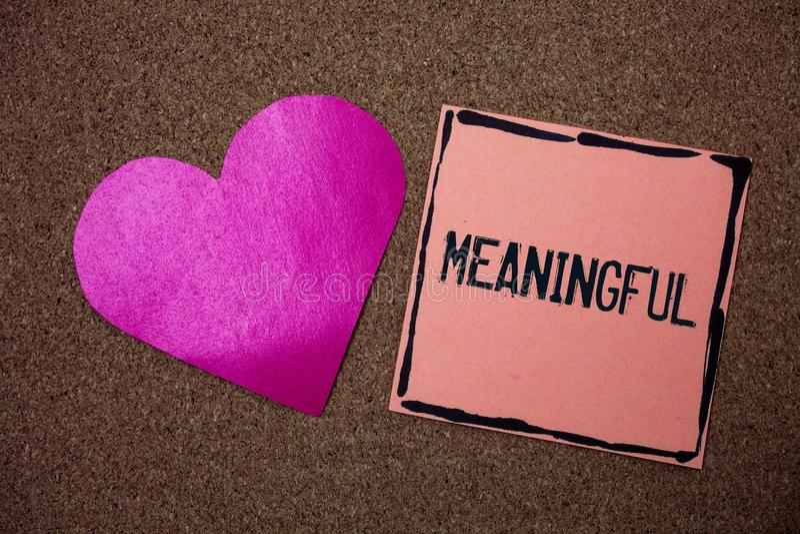 Текст сочинительства слова содержательный Концепция дела для иметь значить smal значительно уместного важного целевого сердца влю стоковые изображения
