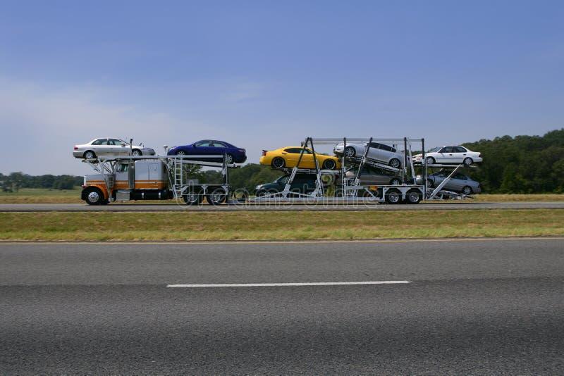 тележка безрельсового транспорта автомобилей цветастая стоковая фотография rf