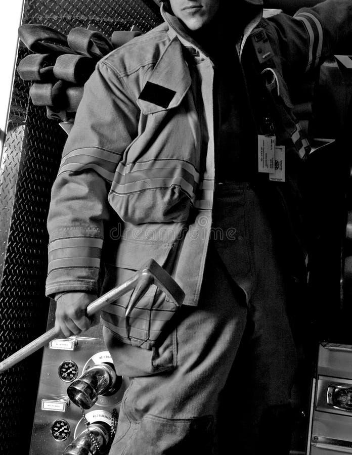 Download тележка мужчины пожара стоковое фото. изображение насчитывающей самолет - 476496