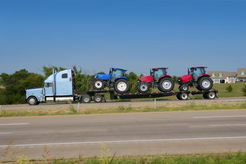 тележка перехода тракта грузовика земледелия стоковое фото