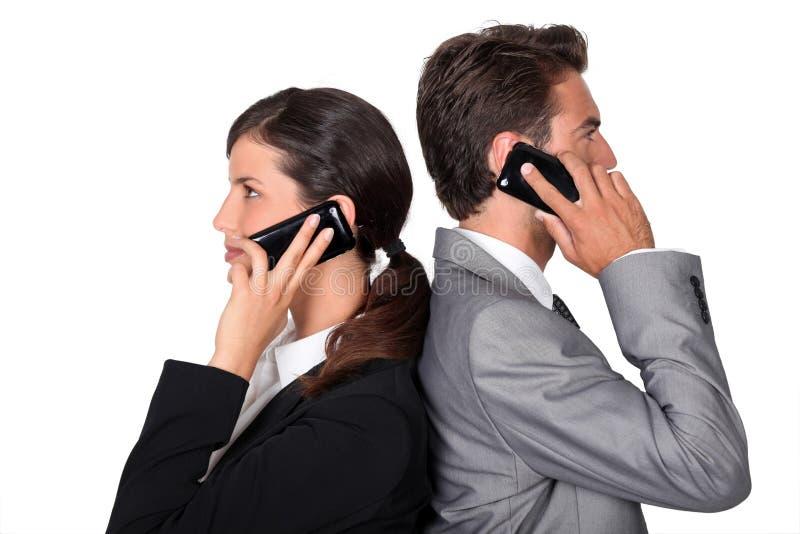 узнали картинка двух людей разговаривающих по телефону питер, обязательно