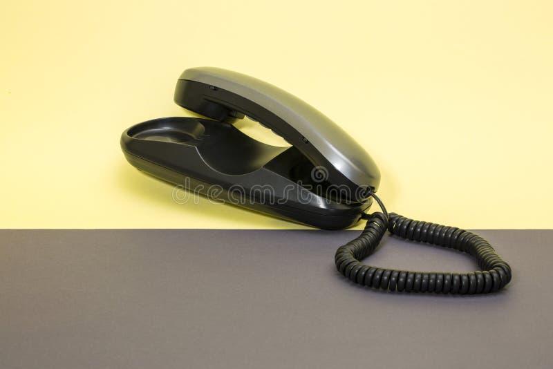 Телефонная трубка и фиксированный телефон с набирать тона стоковые изображения rf