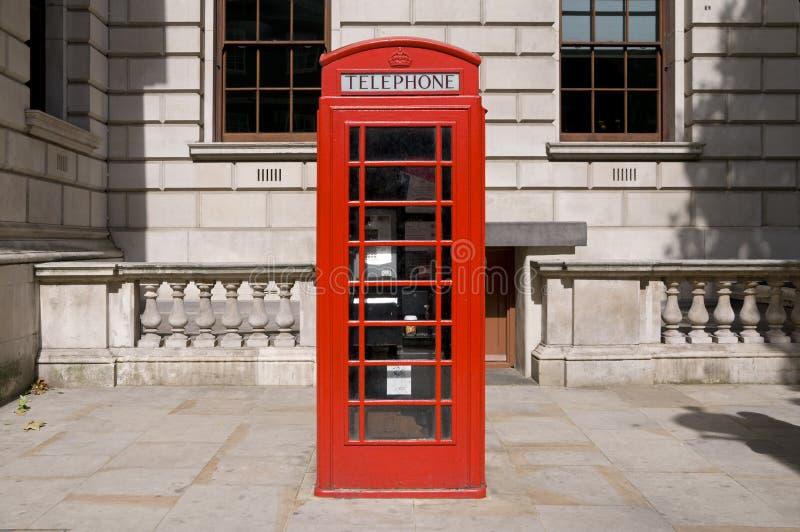 телефон коробки великобританский классицистический красный стоковое фото