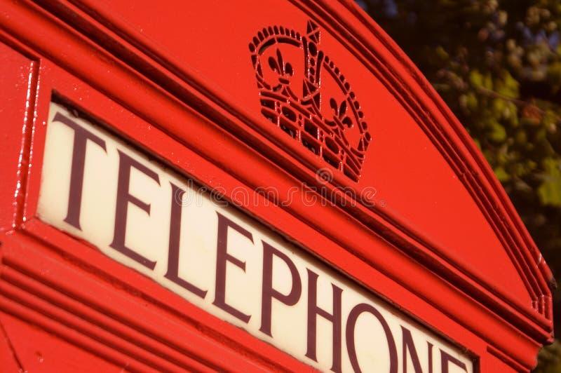 телефон красного цвета коробки стоковые фото