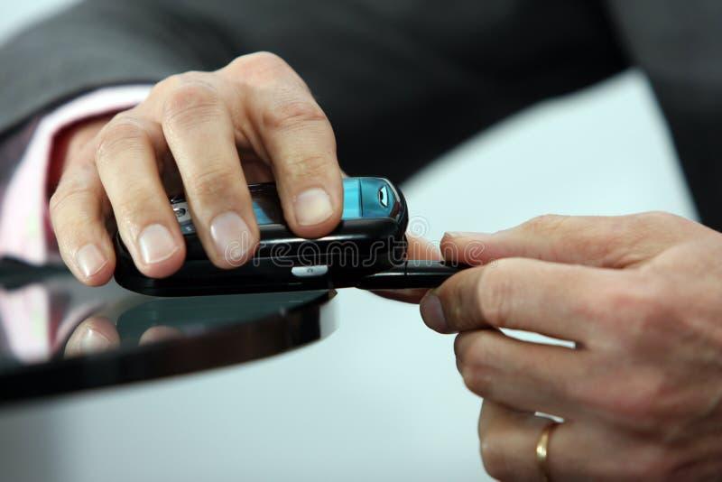 телефон удерживания стоковые изображения