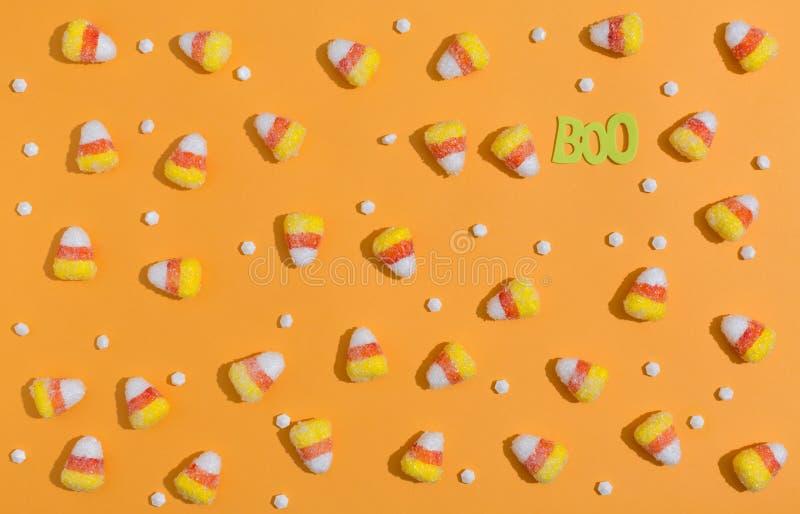 Тема хеллоуина с конфетами стоковое фото