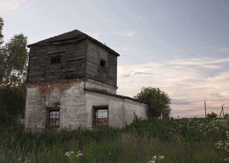 Темная башня стоковое изображение
