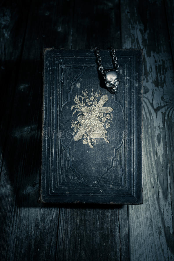 Темная библия стоковое фото rf