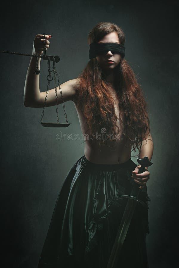 Темная богиня правосудия стоковые изображения