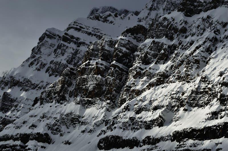 темная гора стоковые изображения rf