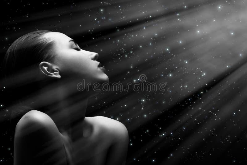 темная женщина стоковое изображение