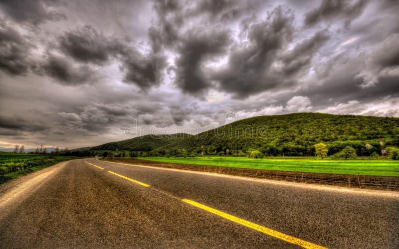 Темная сцена с облаками overcast стоковое фото