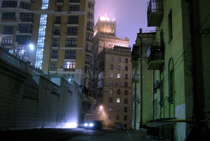 темная улица стоковая фотография