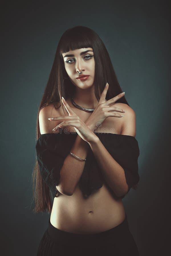 Темная цыганская ведьма стоковые изображения