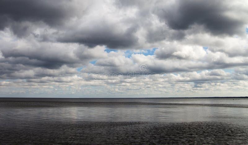 Темное Балтийское море стоковая фотография