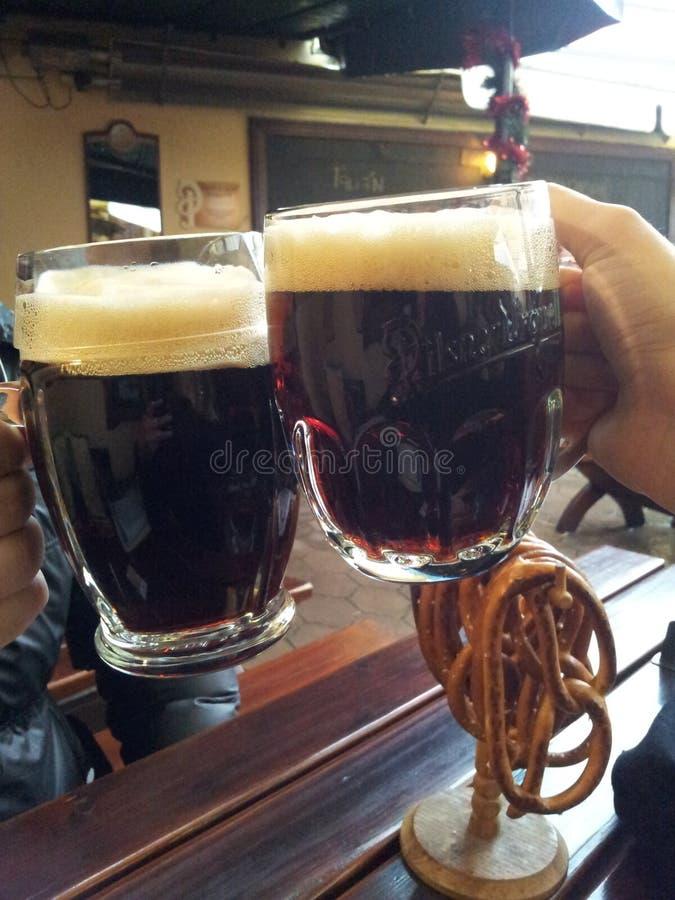Темное пиво стоковое фото rf