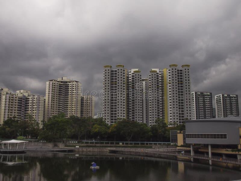 Темный бурный ландшафт облаков стоковые изображения rf