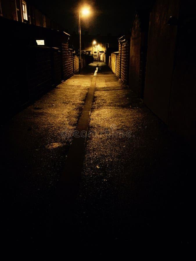 Темный переулок стоковые фото