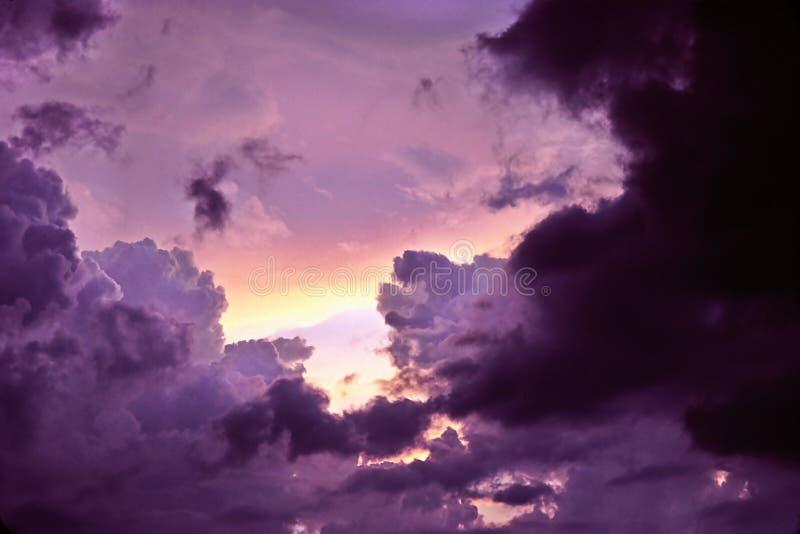темный свет усилий стоковая фотография