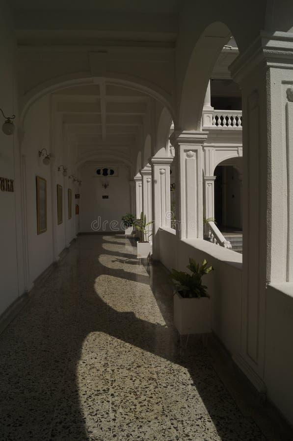 Тени в дворце стоковые фото