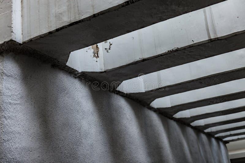 Тени под мостом в Азии стоковое изображение rf