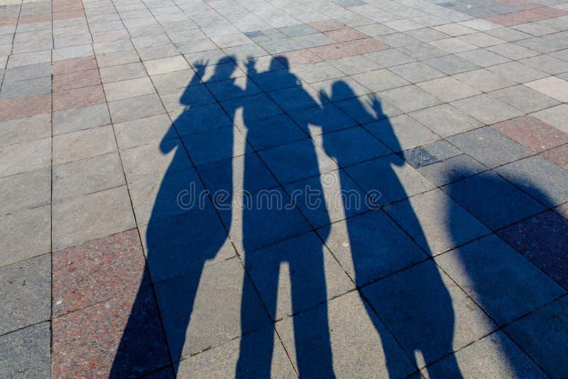 них картинки тень на троих вам
