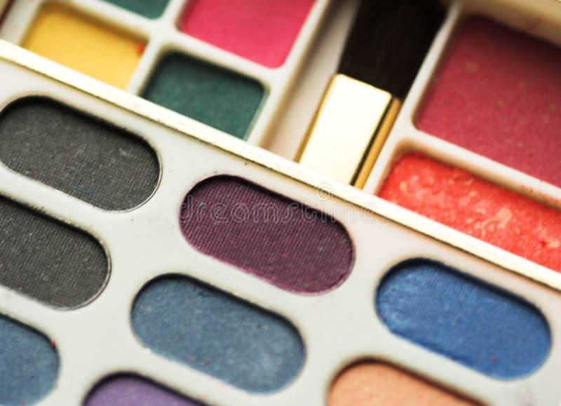 Download Тени для век стоковое изображение. изображение насчитывающей lipstick - 40581831