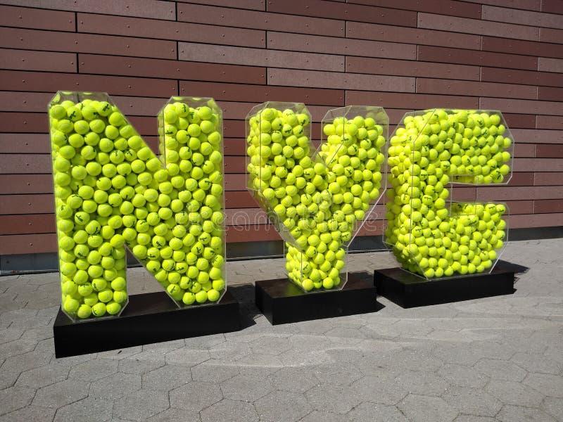 Теннисный Нью-Йорк, Теннисный мяч, Открытый чемпионат США по теннису, Парк Флэш-Медоус Корона, Куинс, Нью-Йорк, США стоковые изображения rf