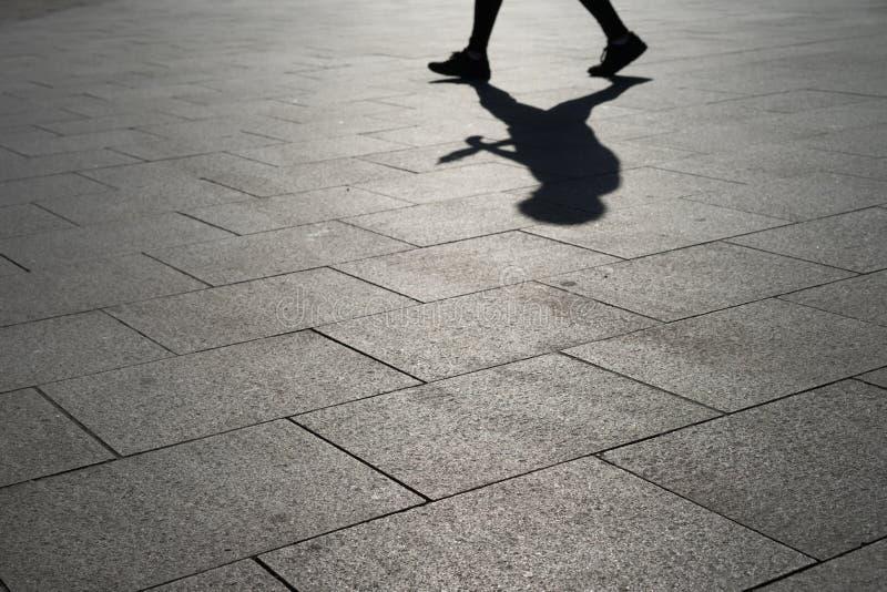 Тень на улице стоковое изображение rf