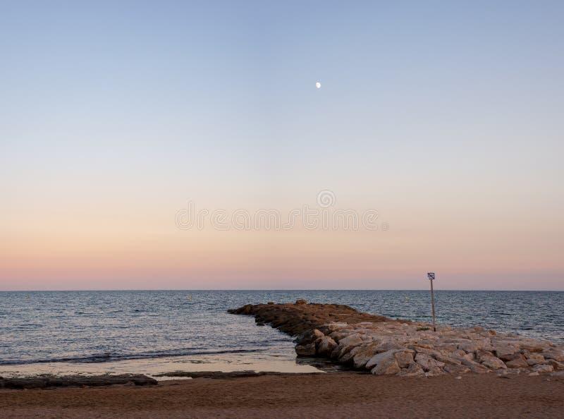 Теплый вечер лета на взморье Испании стоковое фото rf