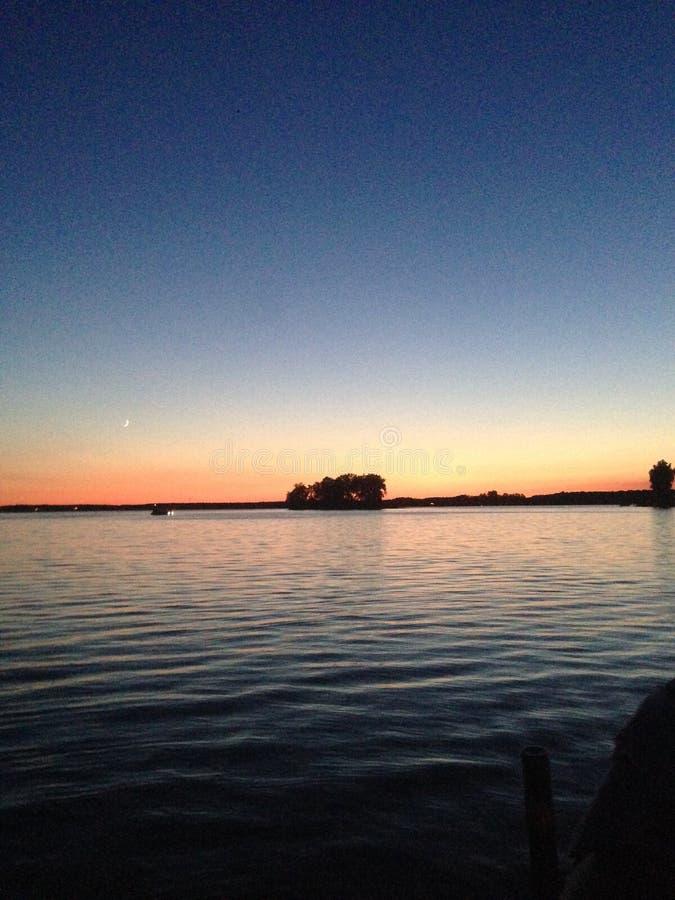 Теплое озеро стоковые фотографии rf