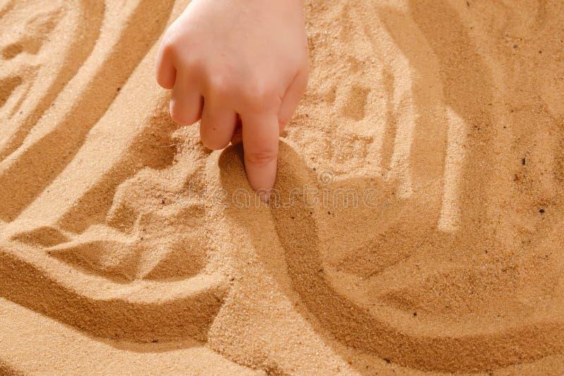 юмористические упражнения с песком в картинках думали, что мне